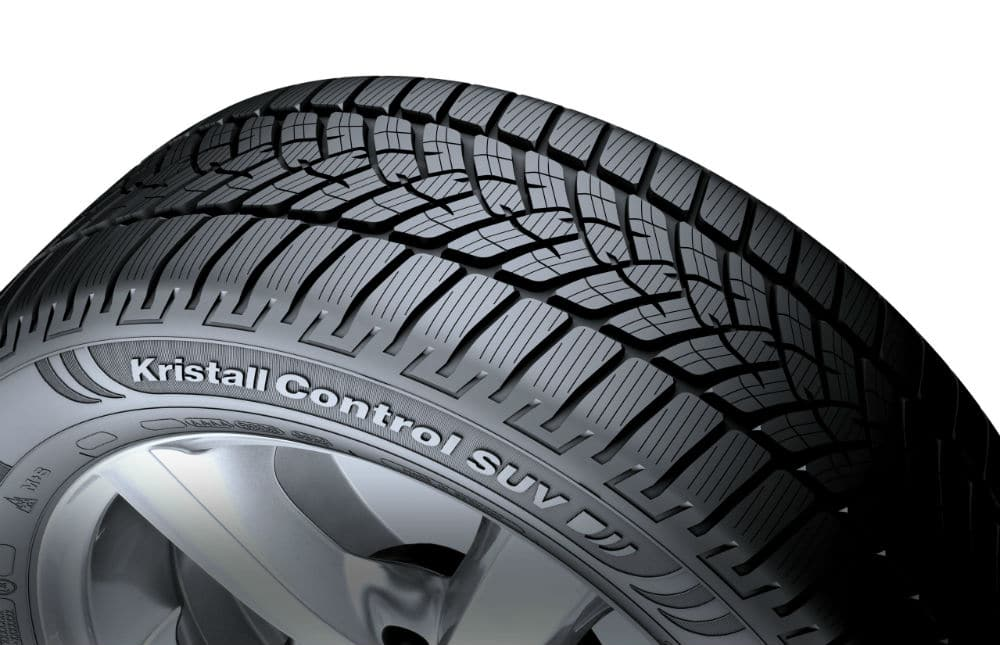 Gros plan sur le pneu hiver Kristall Control SUV