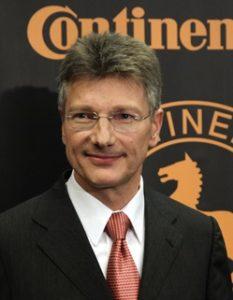Elmar Degenhart est le directeur de Continental