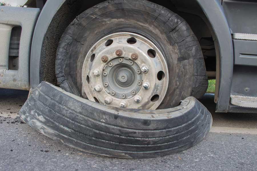 les pneus rechapés ne sont pas fiables