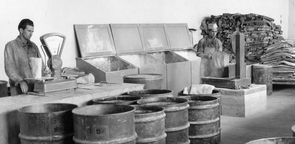 1920 Histoire pneus Sava dans une ancienne usine de fabrication