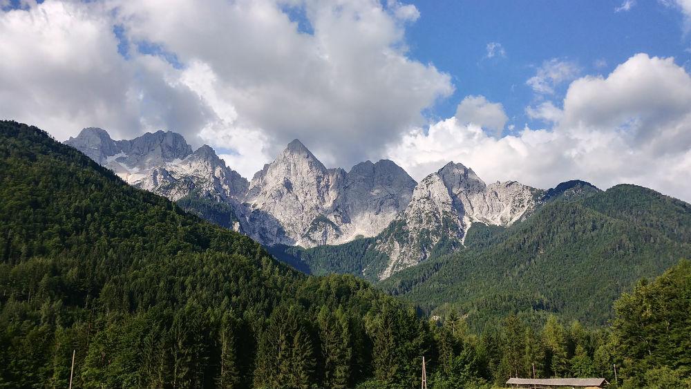 Paysage montagneux roadtrip motard parc du Triglav, Slovénie