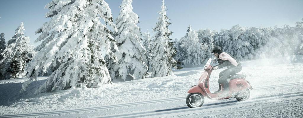 Rouler à scooter ou à moto en hiver, quelques conseils et précautions à prendre en comtpe