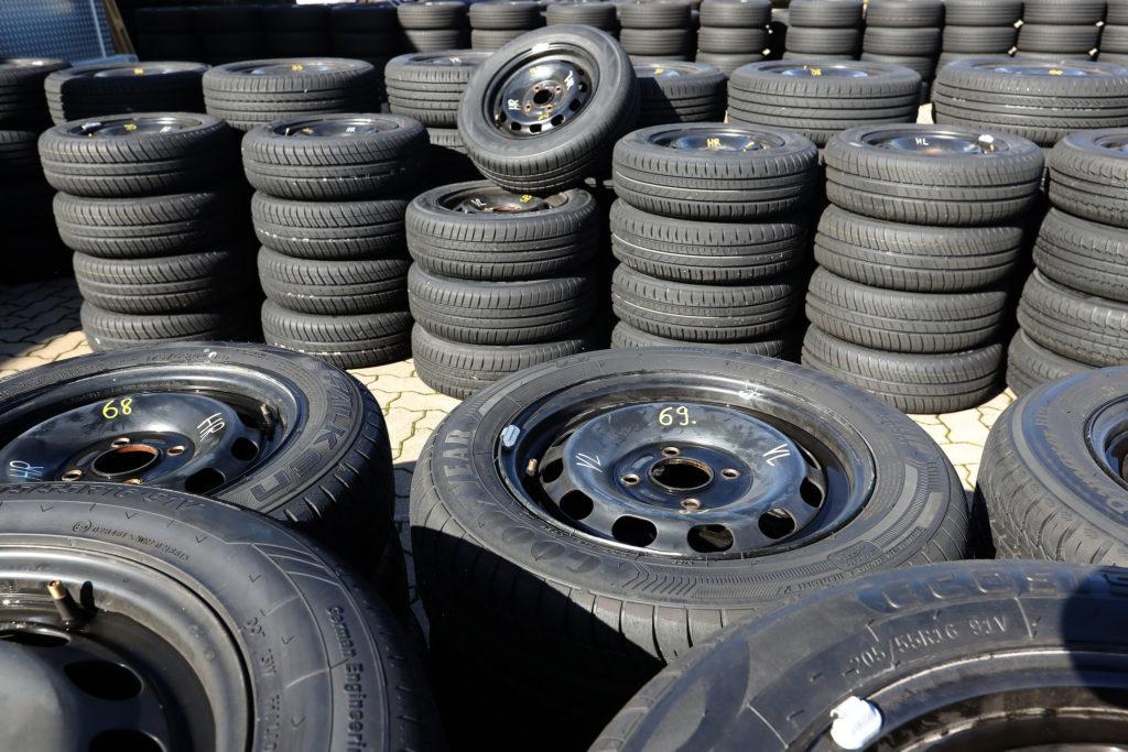 test des pneus t 2018 quel est le meilleur pneu pour cet t tiregom. Black Bedroom Furniture Sets. Home Design Ideas