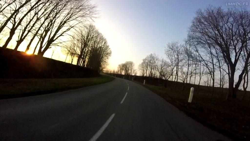 Anticiper les virages à moto